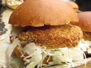 【コラボ商品】食べてみちょくれ!ぎょろっとバーガー